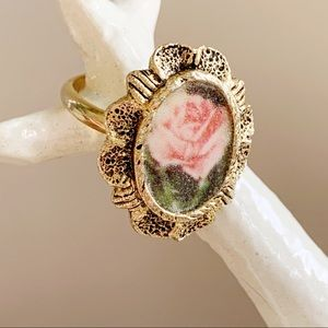 🎉5/20 SALE🎉antique-style rose ring adjustable
